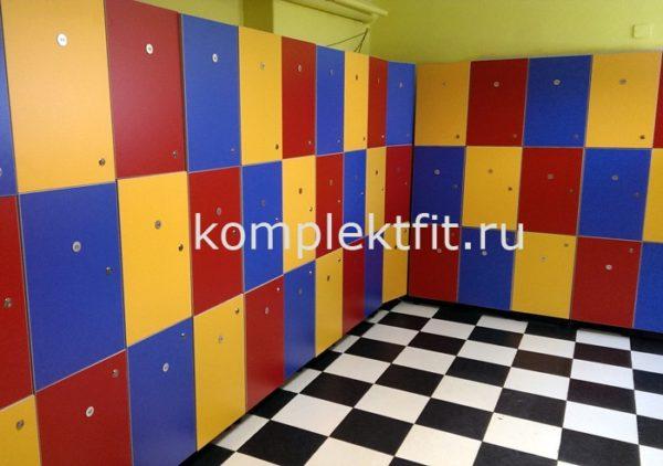 shkaf dlja odezhdy v shkolu 600x422 - Шкаф для одежды в школу