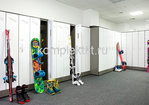 shkafy dlja lyzh i lyzhnyh prinadlezhnostej 600x423 - Шкафы для лыж и лыжных принадлежностей